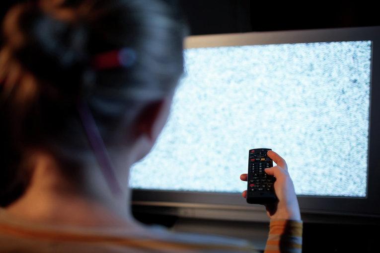 Новгородец оплатил долги, чтобы его друзья смогли смотреть телевизор