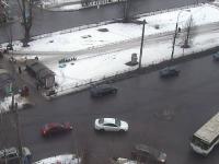 Фотофакт: в Великом Новгороде «Жигули» и автобус «нашли» друг друга