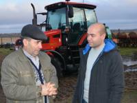 Новгородский фермер Батыр Атамыратович Аманмырадов не хочет вести работу по-дедовски