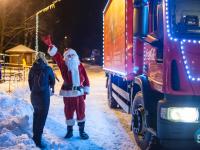 Праздник к нам приходит! Караван «Coca-Cola» побывал сегодня в Великом Новгороде