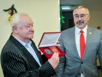 Сергей Сорокин поздравил ветеранов госслужбы с наступающими праздниками