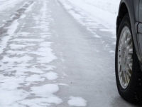 В последний день осени на новгородских дорогах произошло пять серьезных аварий, в том числе - смертельная
