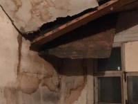 Жители «вибрирующего» парфинского дома надеются, что прокуратура спасет им жизнь