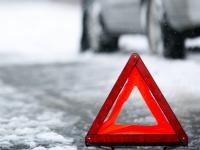 Зима продолжает обескураживать новгородских водителей: тройное ДТП на Сырковском шоссе