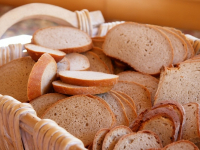 Максим Топилин: в потребительской корзине россиян - перебор картошки и хлеба