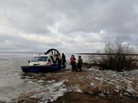 Новгородское МЧС помогло жителям деревни, отрезанной от мира
