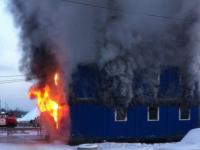 Противопожарный надзор выясняет причины ЧП в деревне Белая Гора, где пострадал мужчина