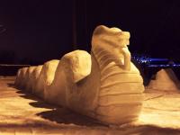 В Боровичах вандалы крушат снежные скульптуры Рябовых