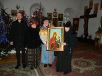 В дар Николо-Косинскому женскому монастырю передали икону Пресвятой Богородицы