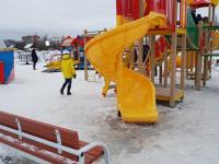 В новгородском парке Юности дети могут отправиться с горки прямиком в больницу