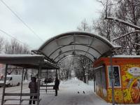 В Великом Новгороде крыши автобусных остановок могут обвалиться из-за снега