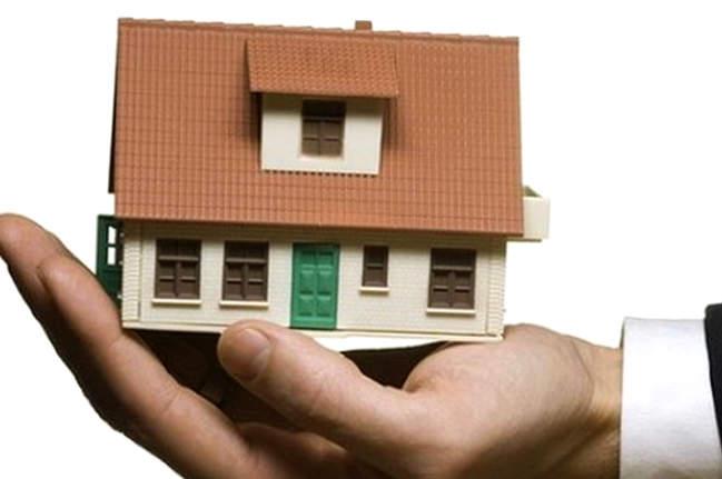 В Боровичском районе выдают социальные выплаты на приобретение или строительство жилья