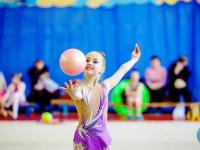 Будущие звезды художественной гимнастики в фоторепортаже «53 новостей»