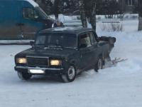 Фотофакт: машина угодила в «пестовскую пропасть»
