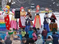 Гуляла широкая Масленица в Новгородской области: фото