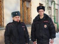 Молодые новгородские полицейские спасли людей на пожаре