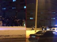 Неизвестный водитель сбил четырех подростков у новгородского ТРЦ «Мармелад»