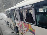Поезд «Ласточка» столкнулся с туристическим автобусом в Ленобласти