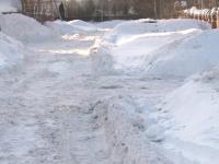 Уборка снега в Парфинском районе не проходит просто так