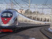 Весь май ветераны смогут бесплатно ездить на «Сапсанах» и других поездах с сопровождающими