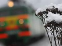 Железнодорожники Октябрьской магистрали усиленно занимаются снегоборьбой