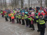 Более шестисот школьников вышли на массовую акцию в Новгородской области