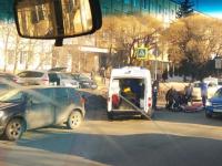 На пешеходном переходе в Великом Новгороде пенсионерка за рулем «Ниссана» сбила женщину