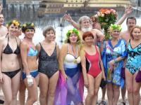 Представительницы прекрасной половины моржей устроят праздник на Волхове