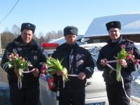 Цветочный патруль ГИБДД шагает по области