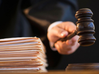 В Чудове суд вынес приговор водителю за удар по лицу сотрудника ДПС