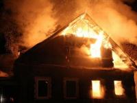 В деревне Шимского района ночью сгорел дом