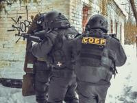 В Новгородской области взяли штурмом дом мужчины, который тяжело ранил полицейского