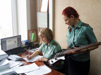 В Великом Новгороде идут аресты гитар