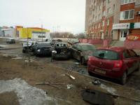 В Великом Новгороде «Шкода» протаранила сразу шесть припаркованных машин