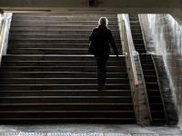 Новгородцы просят установить лифты в подземном переходе у вокзала