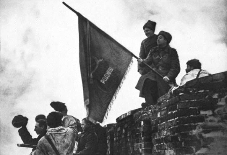В реконструкции освобождения Новгорода примут участие пять сотен человек и боевая техника времен войны