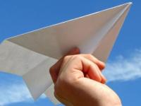 К бумажной стае в поддержку Telegram присоединились и новгородские самолетики