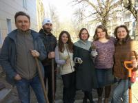 Новгородцы поухаживали за древнейшими деревьями города