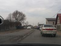 Новгородцы стоят в пробке на кладбище