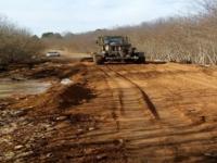 В Новгородской области непогода не помешала восстановлению пострадавших от наводнения дорог