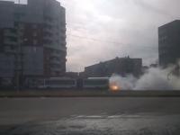 Жителей Великого Новгорода напугал дымящийся автобус
