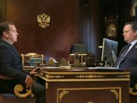 Андрей Никитин рассказал Дмитрию Медведеву, как новгородские школьники работают в «Аэронете»