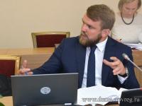 Депутата Дмитрия Игнатова могут перевести из жилищного комитета в дорожно-строительный