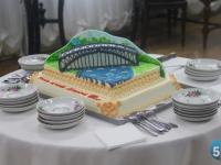 На свое столетие Боровичский музей получил невероятный торт