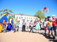 Участники фольклорного праздника преодолели «Версту Старорусского Петрушки»