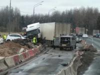 В Новгородской области на месте ремонта трассы М-10 в ДТП погибли два человека