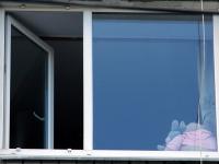 В Великом Новгороде из окна на пятом этаже выпал ребенок