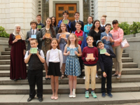 Юная новгородка прошла в финал грандиозного конкурса «Живая классика»!