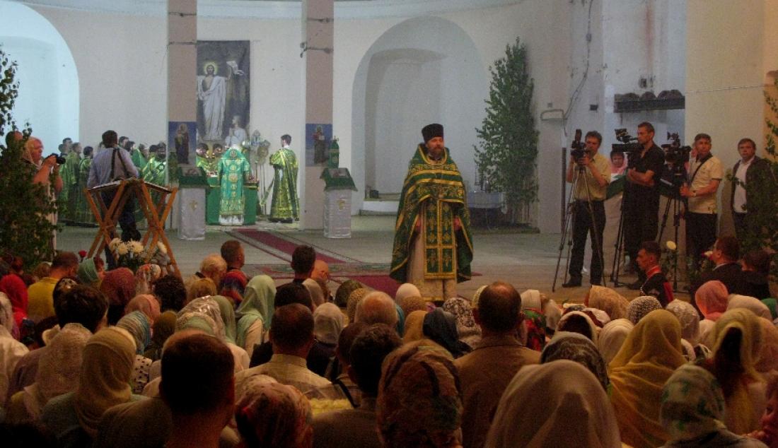 Патриарх Кирилл отметил важность передачи Церкви боровичского Троицкого собора