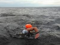 Шторм не помешал новгородским моржам покорить озеро Ильмень